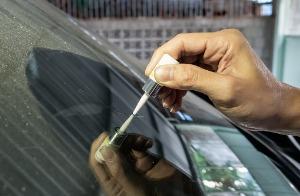 Glue welding Cracked Windshield